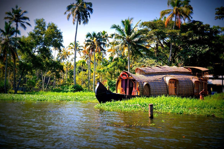 Best Romantic Places in Kerala