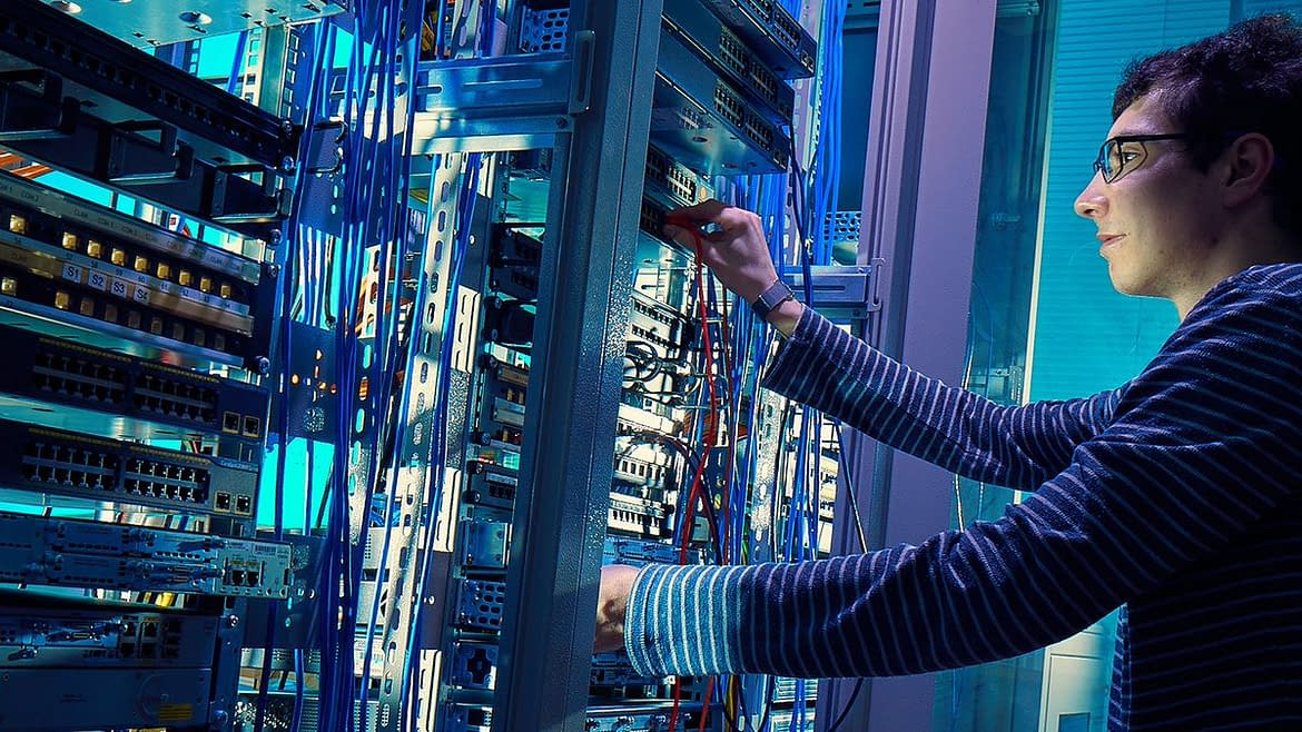Get into an Attractive IT Networking Career with CCNA Certification